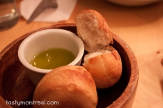 Madre - Fresh baked bread with olive oil
